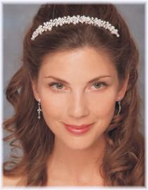 Andrea Pearl Headpiece