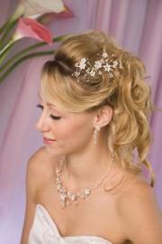 Off White Wedding Hairpiece_1