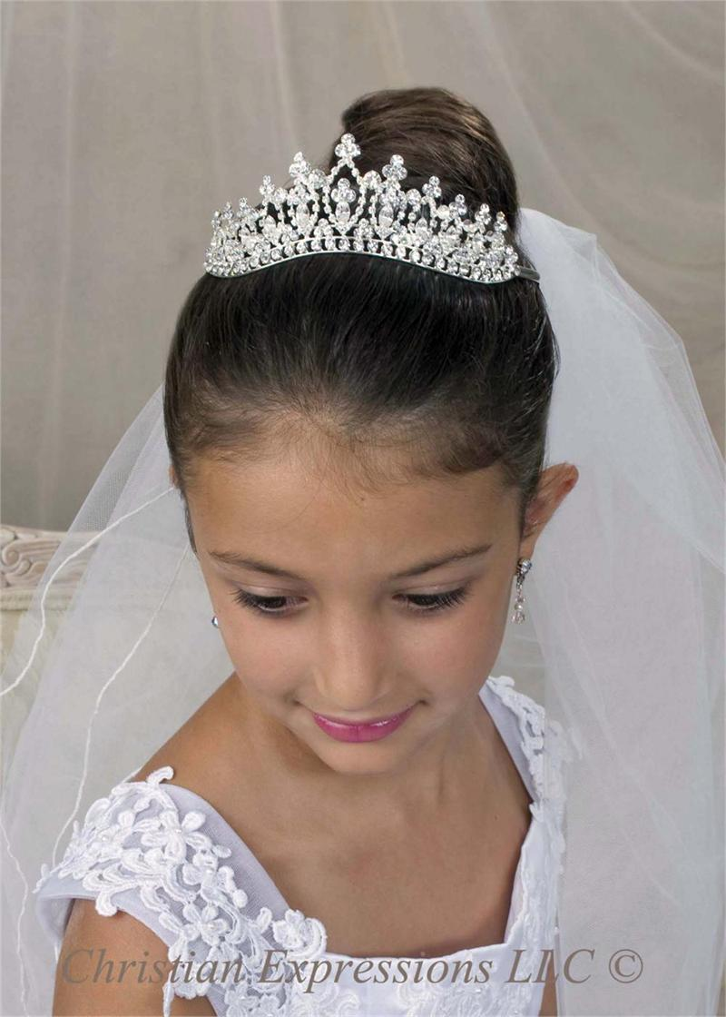 Bridal hairstyles with veil and flowers